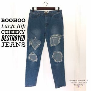 Boohoo Large Rip Cheeky Destroyed Jeans